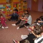 Zabawy z wolontariuszkami (5)