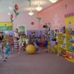 Licealiści w przedszkolu (1)