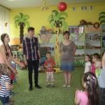 Licealiści w przedszkolu (2)