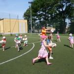 Zabawy sportowe na Orliku (1)
