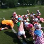 Zabawy sportowe na Orliku (2)