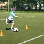 Zabawy sportowe na Orliku (4)