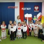 Święto Flagi - uroxzystość w przedszkolu (5)