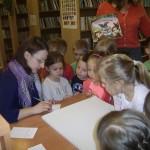 W bibliotece (8)