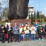 Pod pomnikiem Jana Pawła II (4)