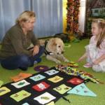 Spotkanie  dogoterapeutą i psem (2)
